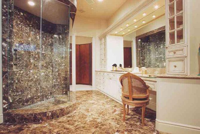 дизайн ванной комнаты в черно-белом